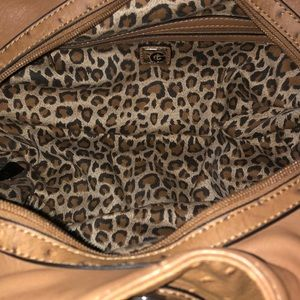 Guess Bags - 👜GUESS Purse 👜 LIKE NEW